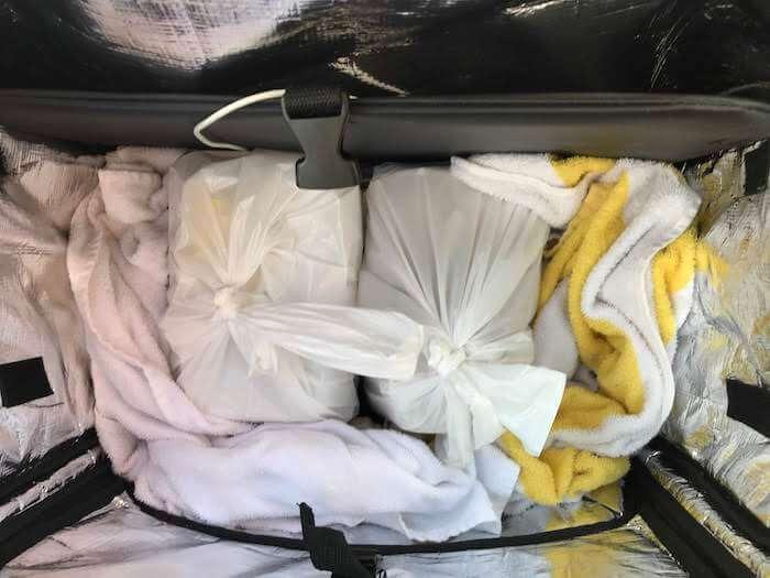 タオルを使ったバッグの詰め方