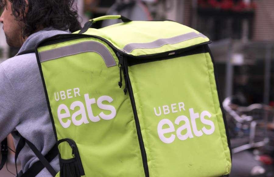 UberEATSの配達パートナー