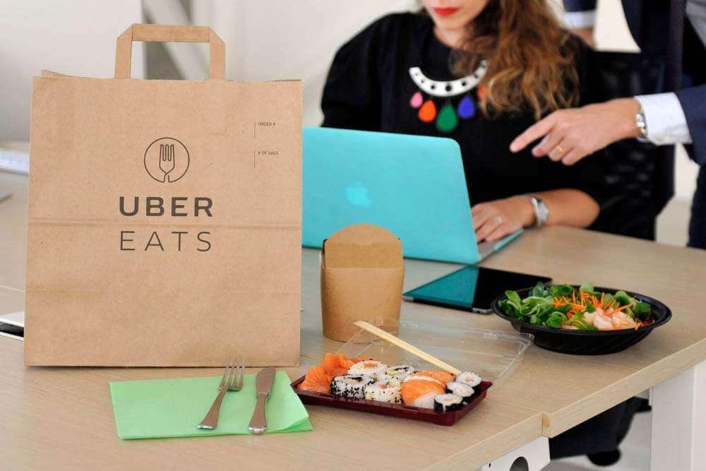 ウーバーイーツ(UberEATS)のバッグ