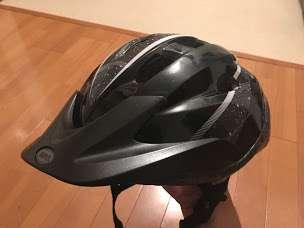 ウーバーイーツ配達中に使っているヘルメット