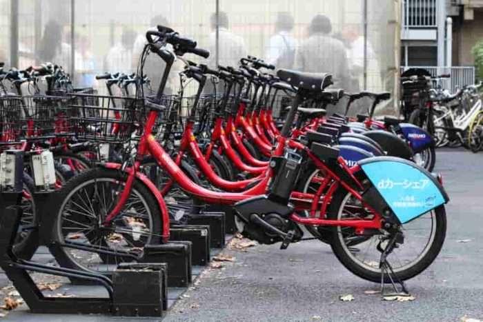 並べられたDOCOMOのレンタル自転車
